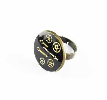 Ring Steampunk mit Harz