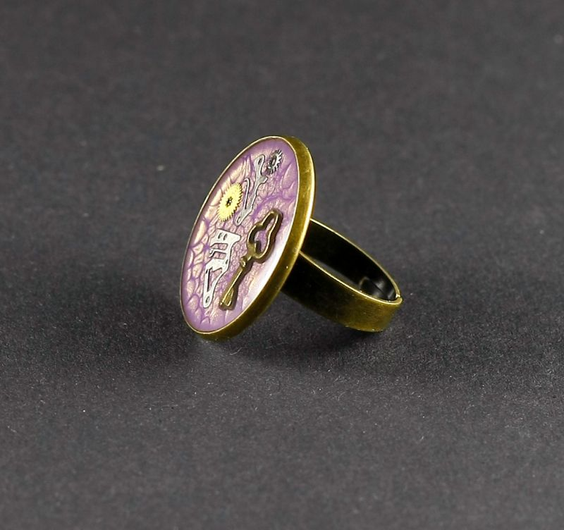 Ring Steampunk Schlüssel in Violett