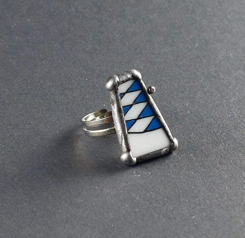 ring porzellan mit bayerische flagge hymne in blau bernhardt style steampunk schmuck und. Black Bedroom Furniture Sets. Home Design Ideas