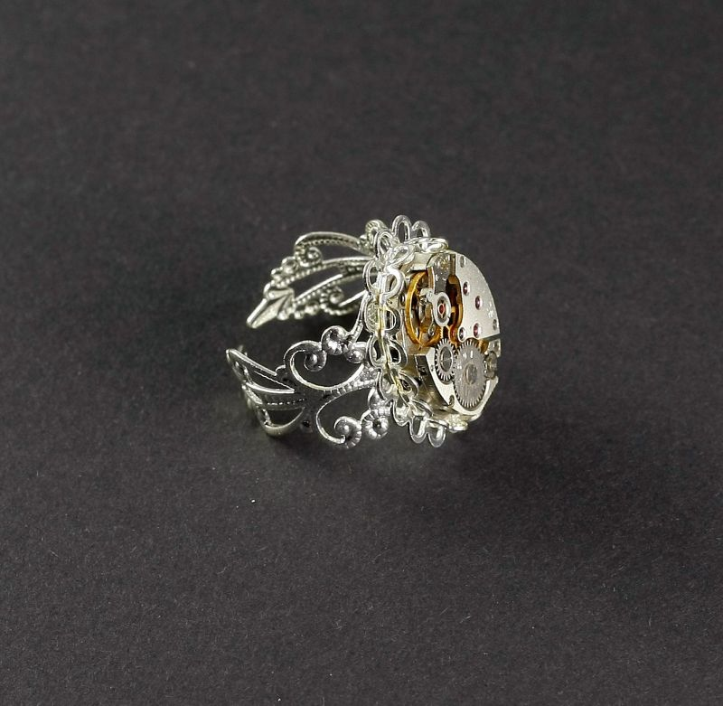 Ring Steampunk Fein Ovel in Silberfarbe