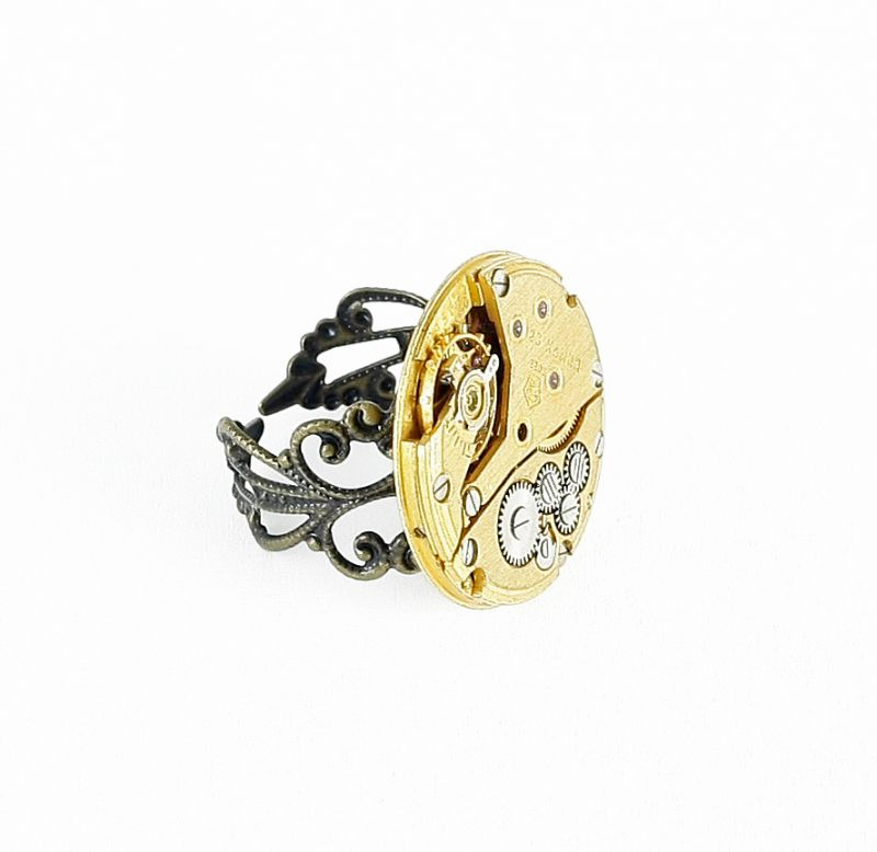 Ring Steampunk vergoldetes Uhrwerk